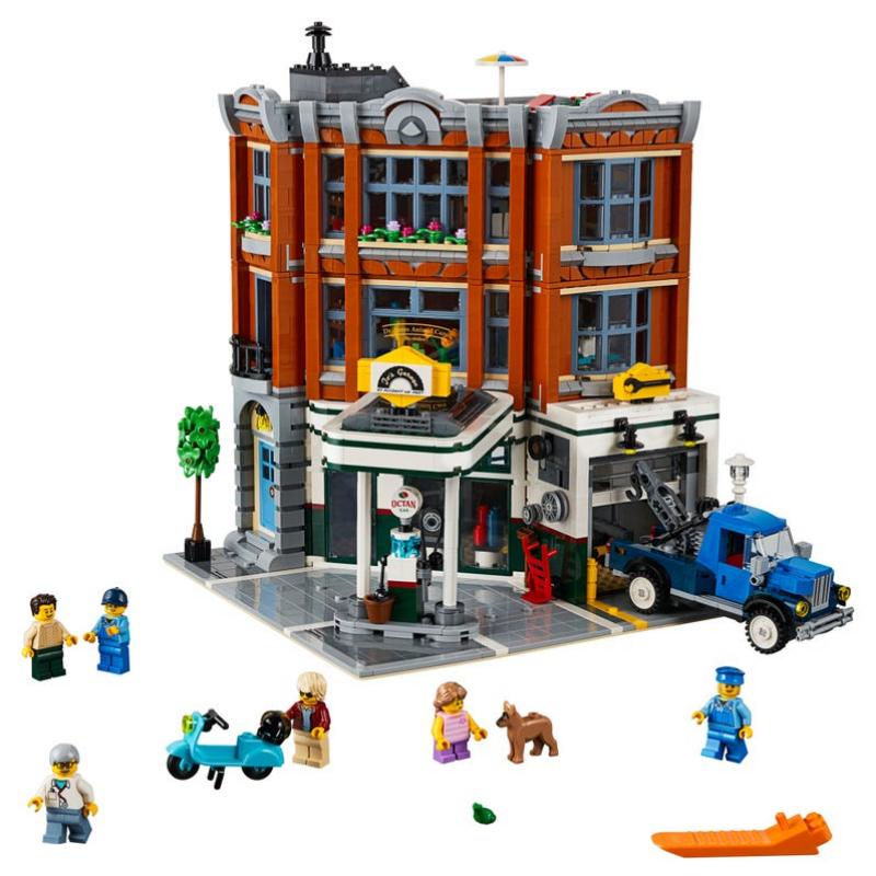 Corner Garage – LEGO Brand Retail, Inc.
